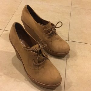 Jeffrey Campbell tan wedge boots